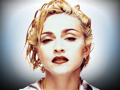 Career 1990 - Madonna pictures & biography Blond Ambition