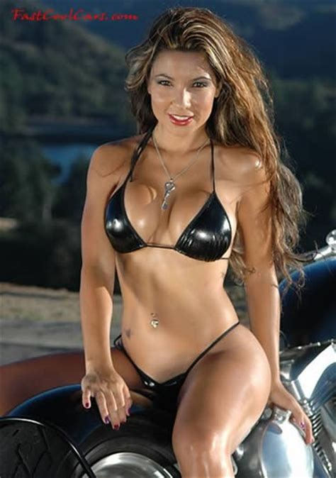 ozzy's blog: A pretty model on a very cool motorcycle