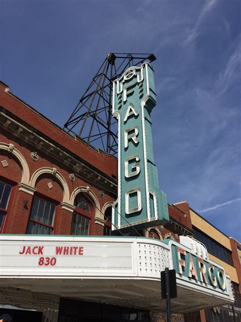 Review: Jack White performs (and live streams) fifth and