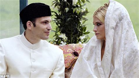Aga Khan's son gets divorced from American wife