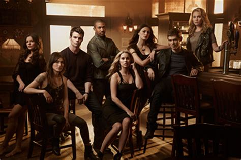 On the Set of THE ORIGINALS: Danielle Campbell, Leah Pipes