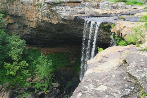 Noccalula Falls Park - Waterfall in United States
