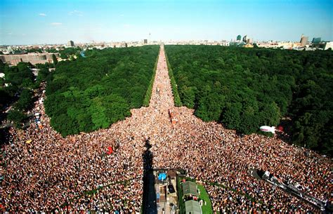 Rave The Planet: Date for Berlin's Love Parade 2