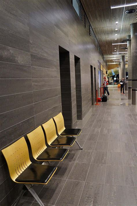 Strong ceramic floor in a public place: Vaernes Airport