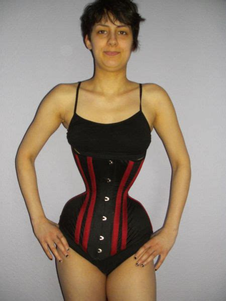 German Girl Wants To Have The Smallest Waist - FunnyMadWorld
