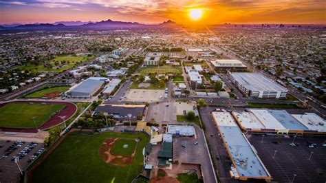 Grand Canyon University agrees to buy aging apartments
