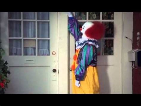 IT hilarious scene with Pennywise - YouTube