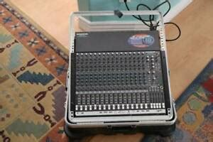 Mackie 1604 vlz Pro 16 channel mixer with case and manual
