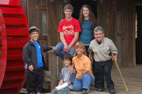 Vandals damage farm signs of Roloff family featured on